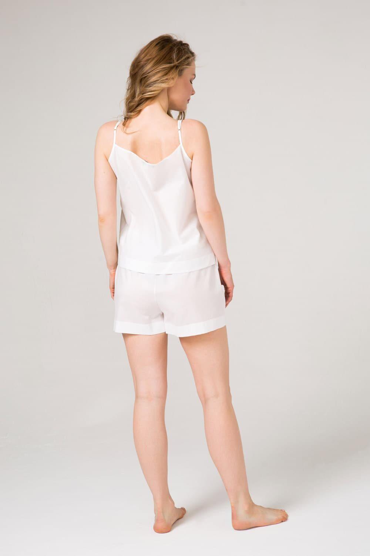 Белый пижамный комплект топ и шорты с уникальным хлопковым кружевом.